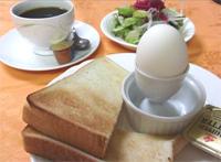 モーニングセット(トースト・ゆで卵・サラダ・ドリンク)